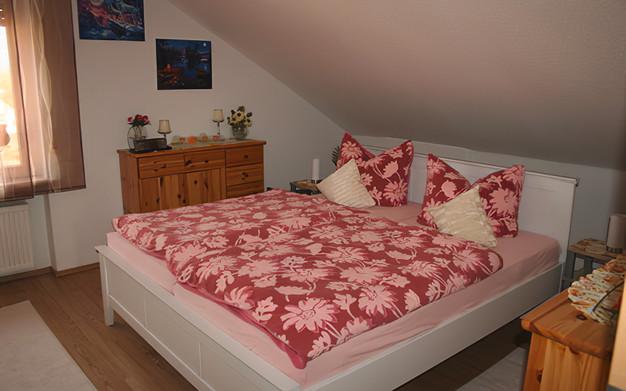 Doppelbett Rosenrot
