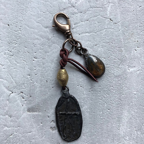 Marbled pendant w/brass Bicone bead
