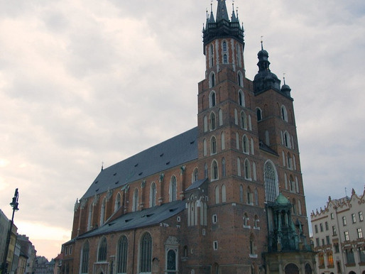 'National Quarantine', Muted New Year Celebrations and Potential First Female Hejnał Mariacki Bugler