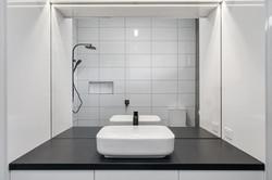 Benson House  bathroom