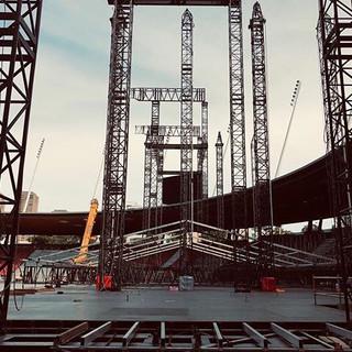 Building bridges__Building stages!__P!NK