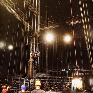 Look up!__Mumford and Sons, Basel 2019__