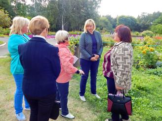 Новые занятия цветоводов в Ботаническом саду ОмГАУ...