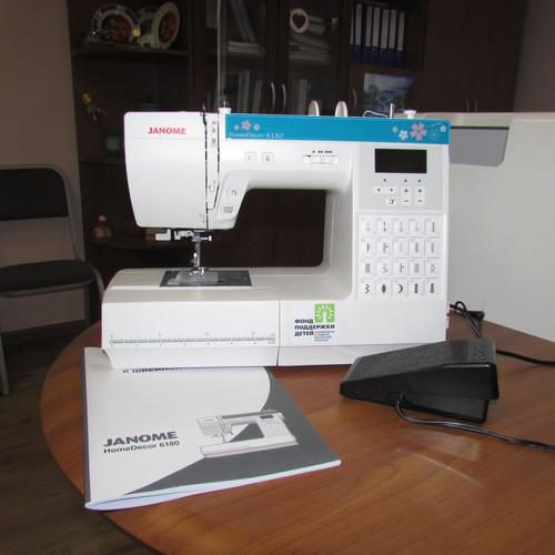 Швейная  машинка Janome.JPG