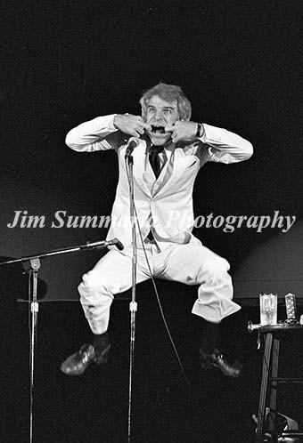 Steve Martin, 1976