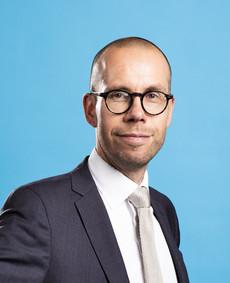 Asianajaja Tero Reponen alustamassa käräjäoikeudessa