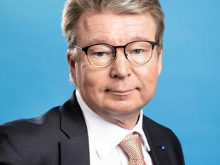 Otso Nykänen puheenjohtajana Uusimaa-viikon tilaisuudessa 7.5.2015
