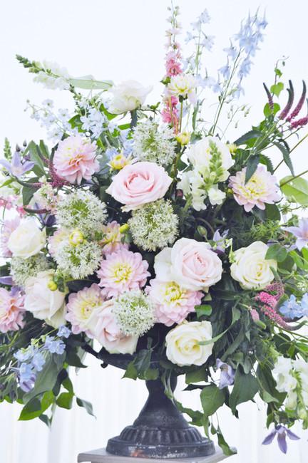 wedding flower urn.jpg