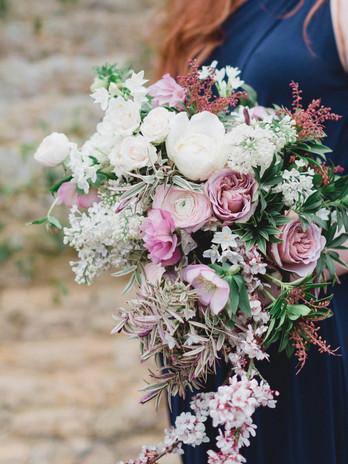 Trailing brides bouquet.jpg