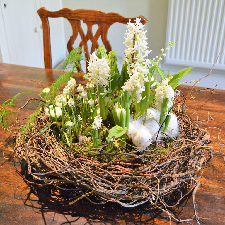 Easter Table Centre