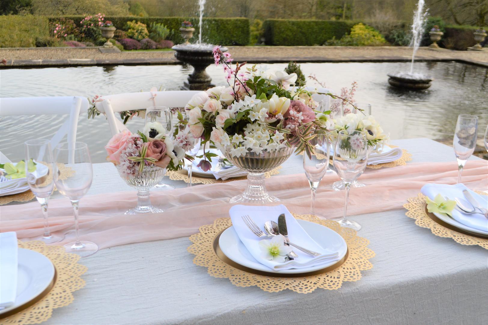 Floral table centre.JPG