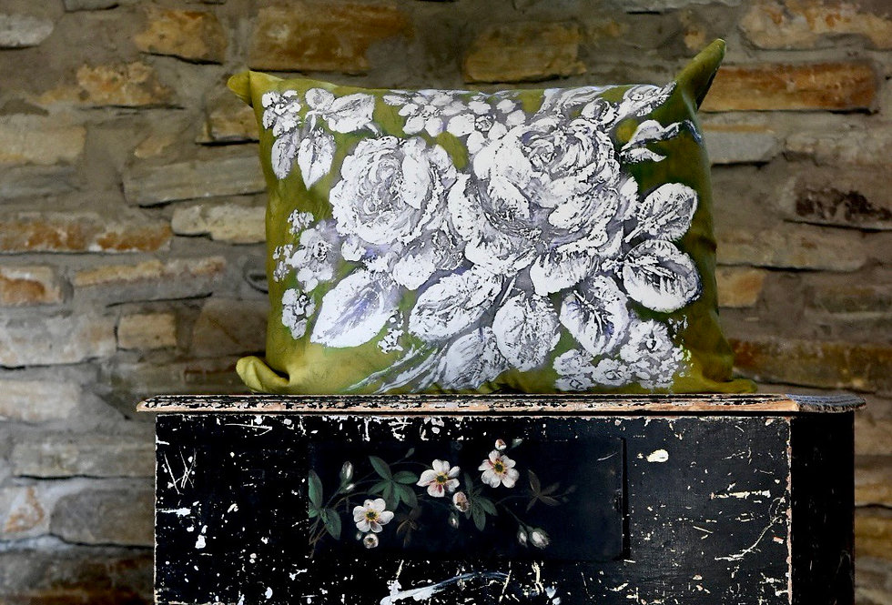Moss Rose Pillow Cover