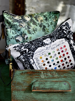 Jennifer Lanne zippered pouch