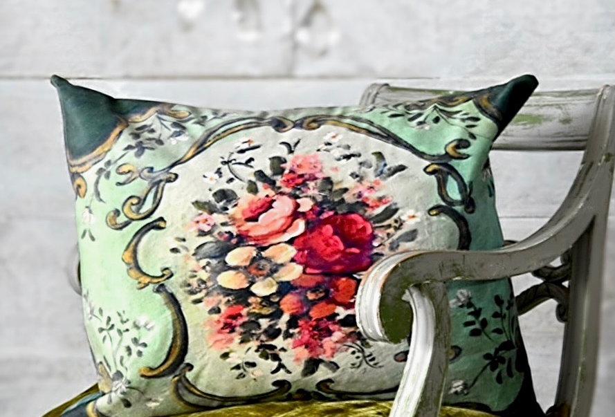 Momento Pillow Cover