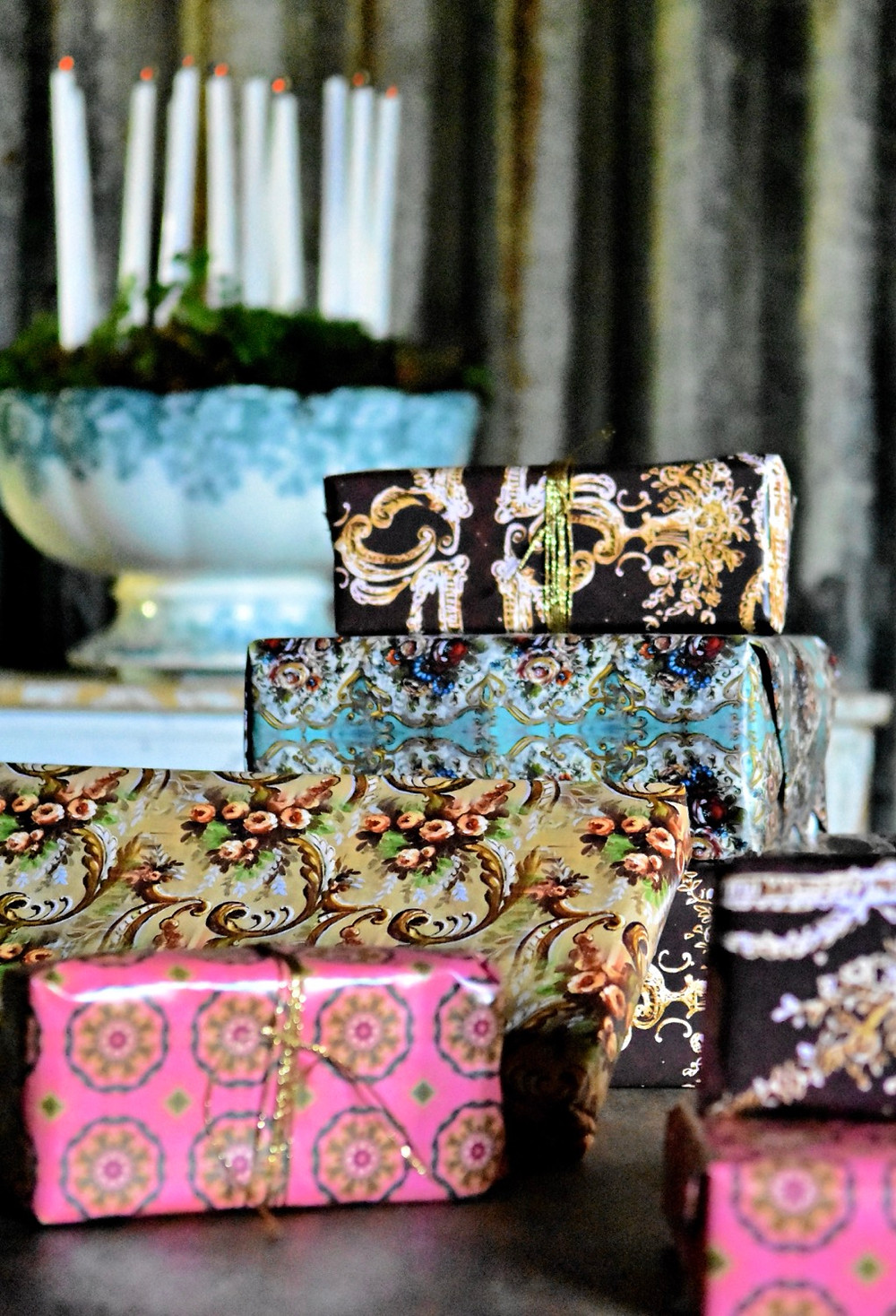 Artist Jennifer Lanne wrapping papers for Decorum