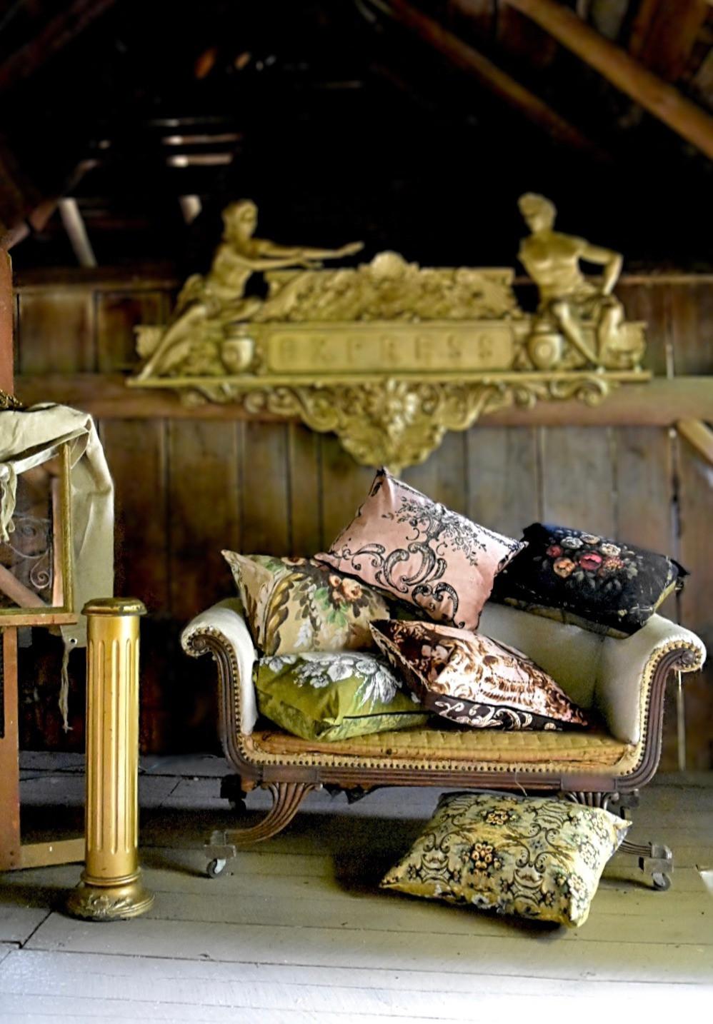Jennifer Lanne pillows Decorum