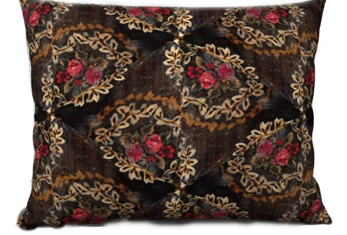 Laureate Pillow Cover