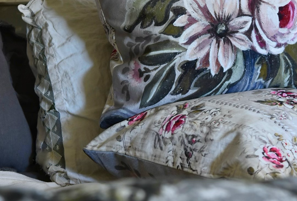 Au Courant Pillow Cover