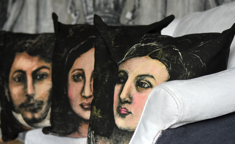 jennifer lanne portrait pillows