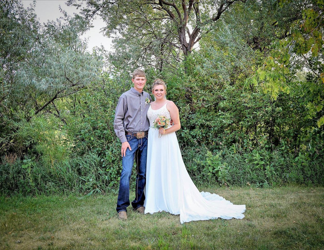 Bride%20and%20groom5_edited.jpg