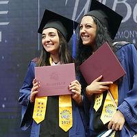 Церемония вручения диплома.jpg