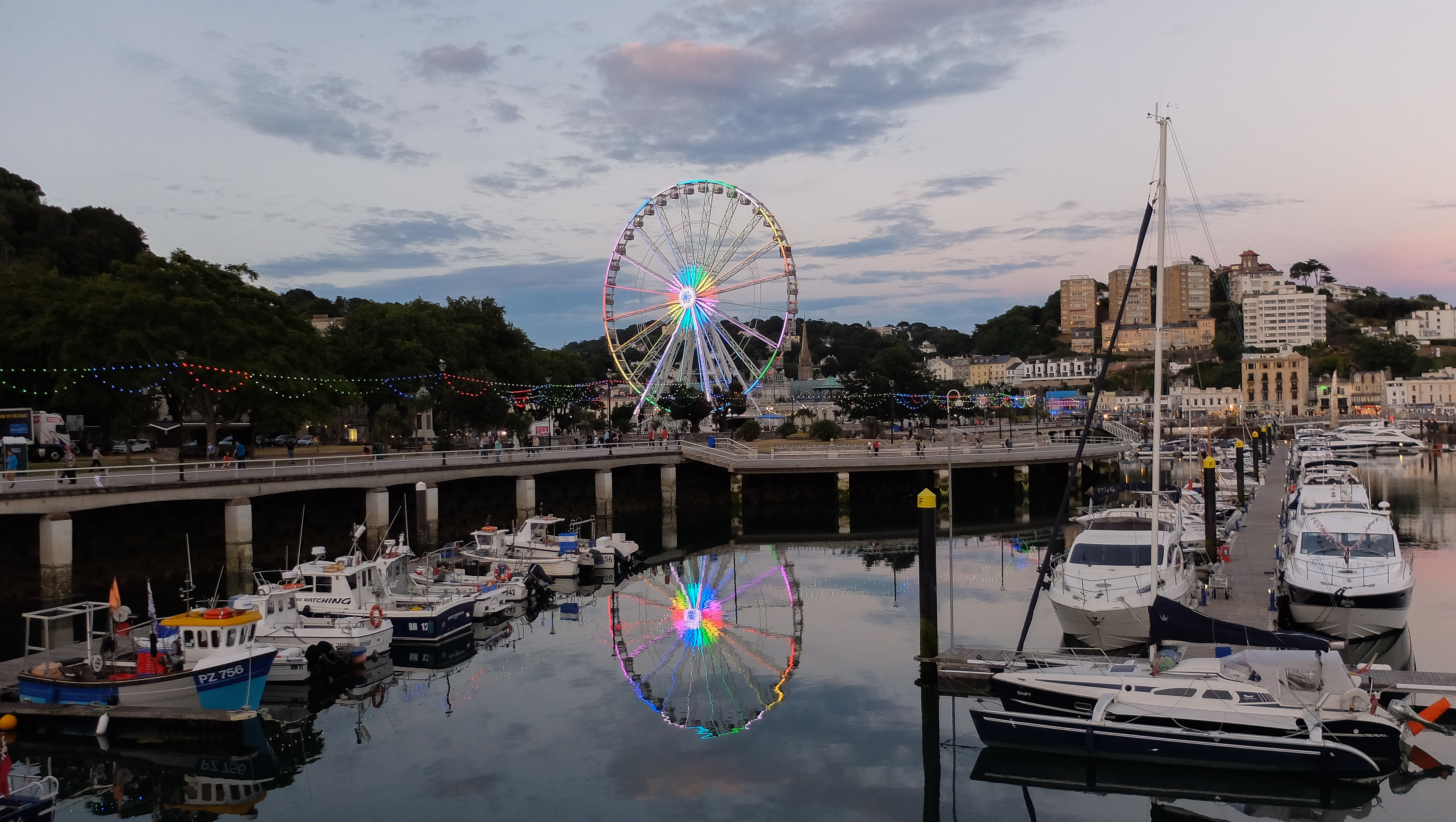 Torquay ferris wheel in the evening