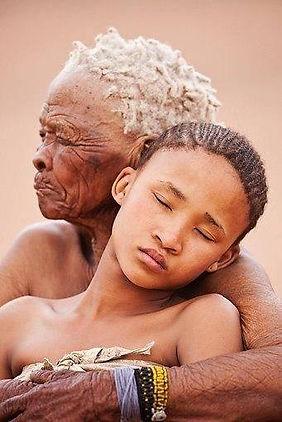 vielle femme et jeune femme.jpg
