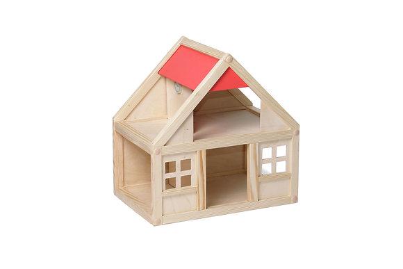 Деревянный домик без мебели
