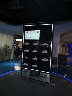 Interactive shelf