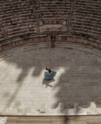 Fibonacci Embodied shooting in Roman theatre