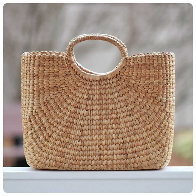 https://seaandgrass.com/collections/all/products/market-tote