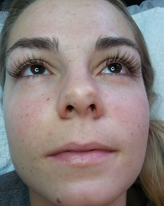 Hybrid Lashes for the graduation trip to