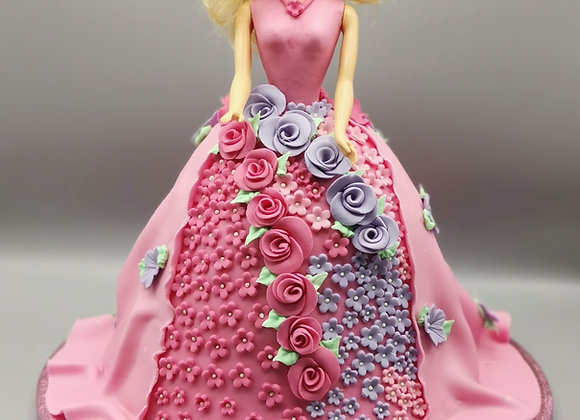 Standing doll cake
