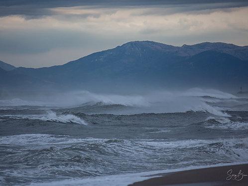 Coup de vent force 8, en vue de la côte Vermeille