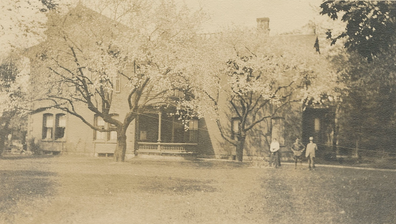 Historical Sonneck House Photo