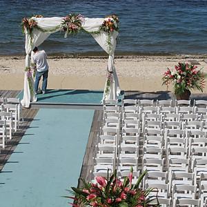 Weddings – Set the scene