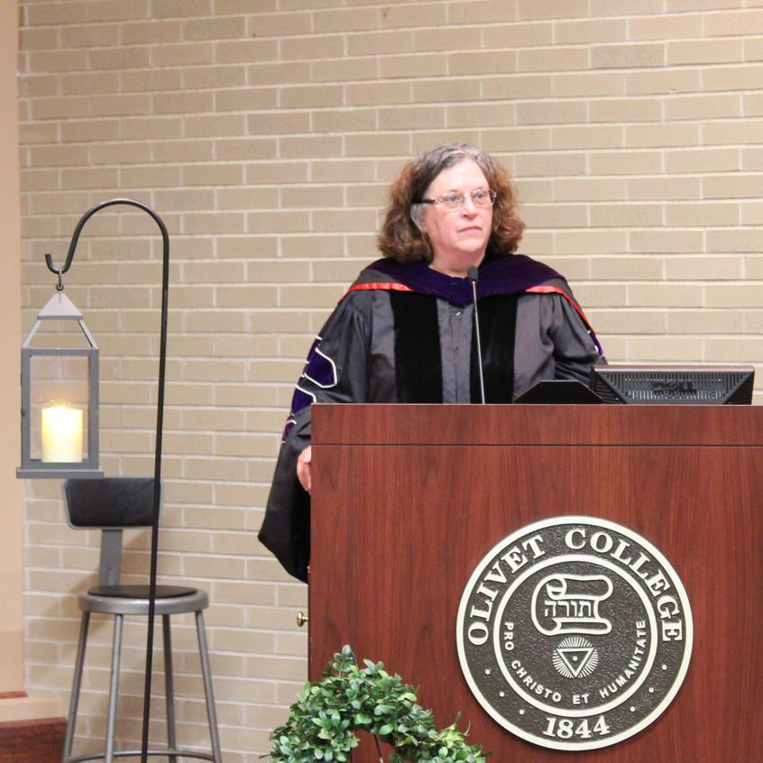 cynthia noyse at podium