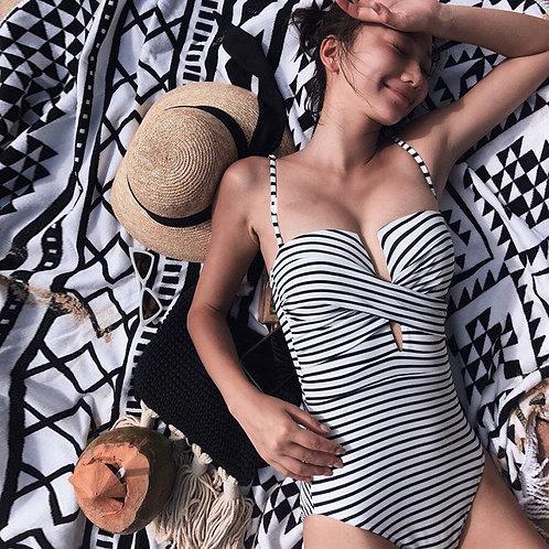 Horizontal Stripe Twisted Swimsuit 橫間扭布款連身泳衣