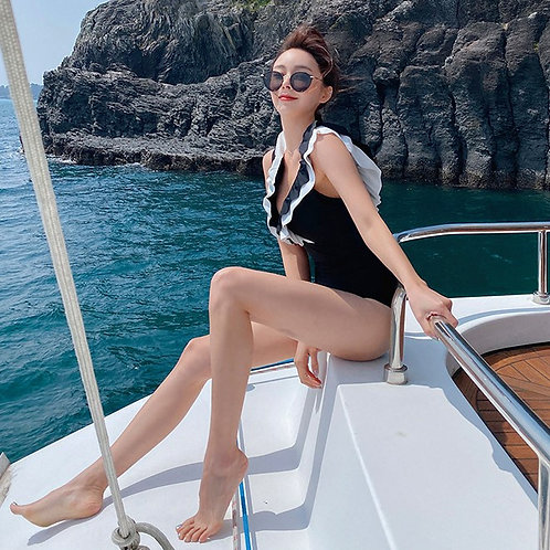 Black & White V-neck Ruffles Swimsuit 黑白波浪V領泳衣