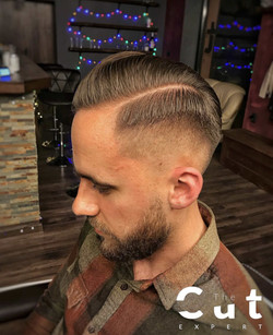 Elegancka męska fryzura