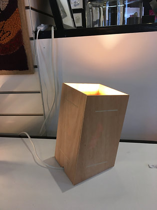 Atelier Vcube - Lampe Tour inclinée