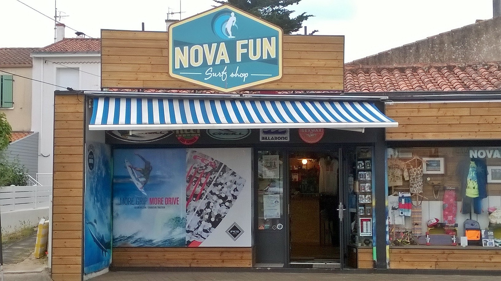 vitrine nova fun surfshop