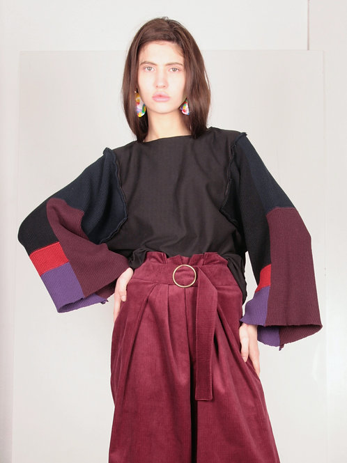 13.1 knit sleeves sweater in black structure + red navy violet black knit