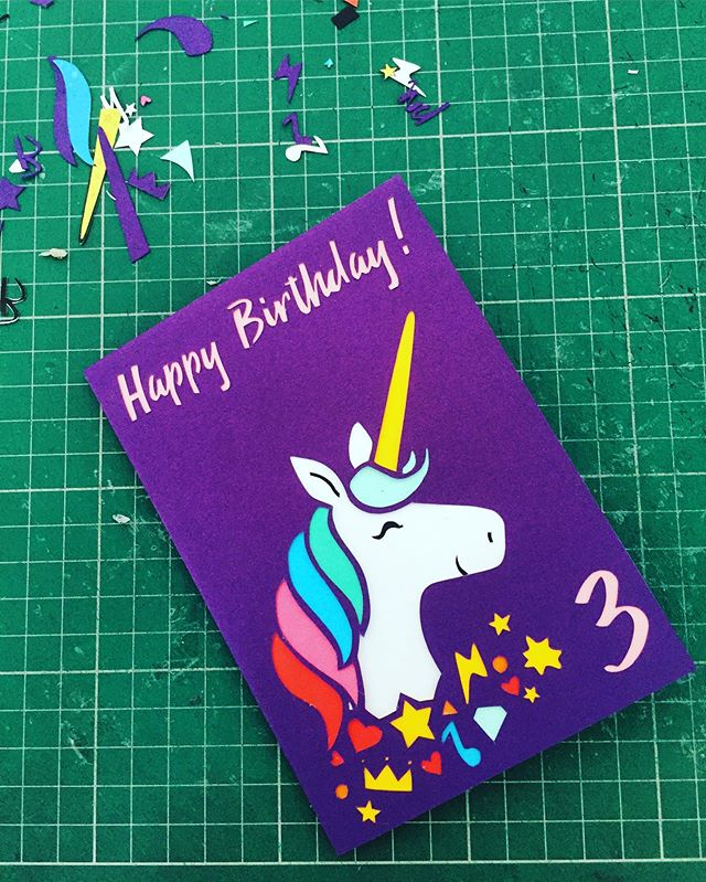 A fun one for a Friday 🦄 🌈 _#paperart