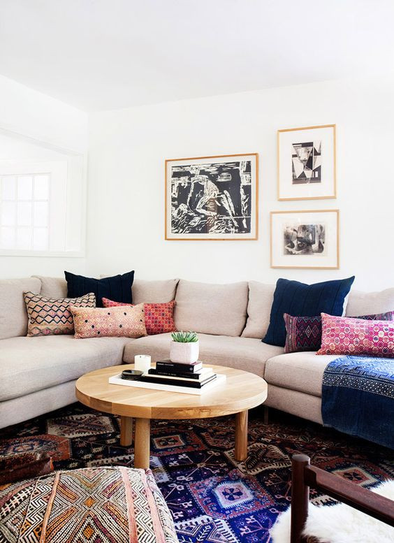 Amber Interiors living room design bohemian modern living room kilim pillows