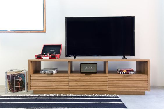 tv console styling, how to style a media console, Sun Soul Style Interiors