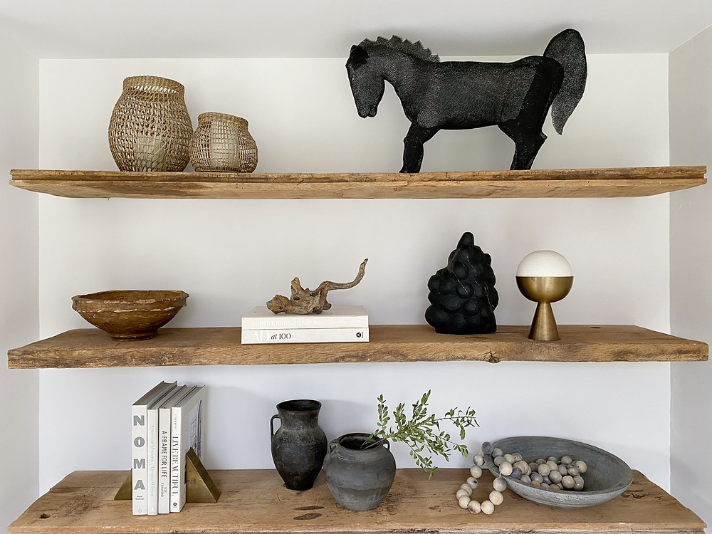Eyeswoon Athena Calderone. Bookshelf styling shelfie