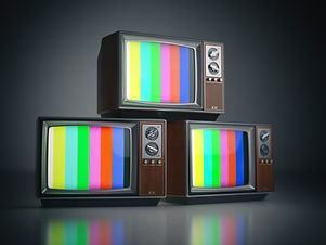 heap-of-retro-tv-sets-with-no-signal-com