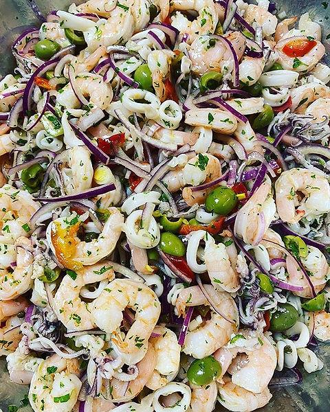 TONIGHT: SEAFOOD SALAD!! 🦑🦐 A little t