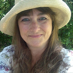 Gwen Hinkle Author Spotlight LC Helms.jp